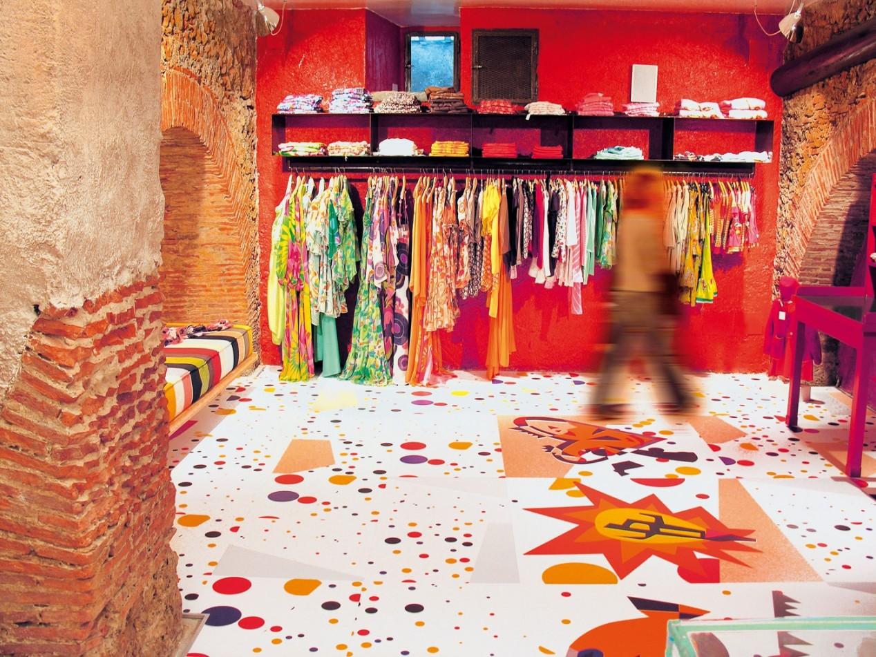 """Sonderanfertigung: SKEMA Fußboden """"Brio"""" in einer Boutique"""